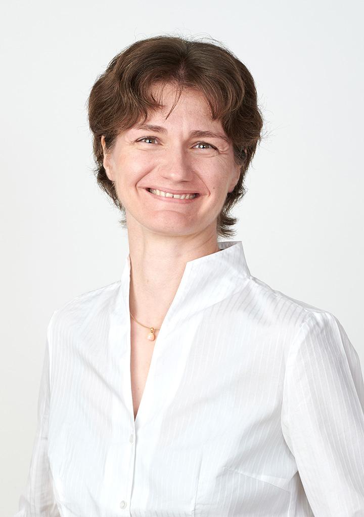Dr. Carmen Fromberg