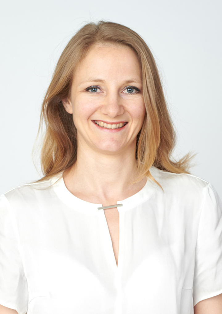 Dr. Leonie Troeber